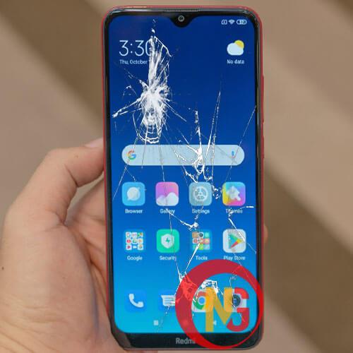 Mặt kính Xiaomi Redmi 8 bị bể vỡ