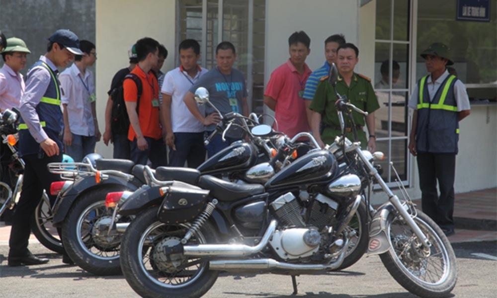 Học bằng lái xe mô tô hạng A2 tại Học lái xe 12h